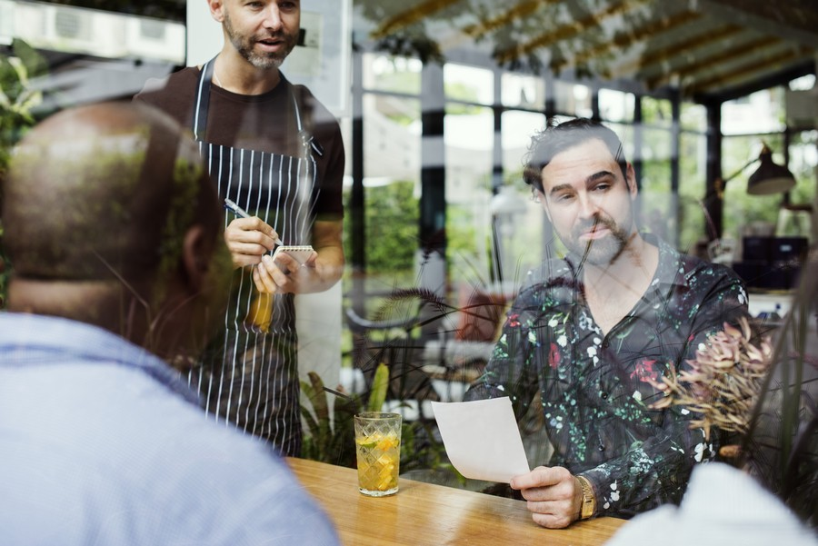 tn Profesjonalna obsługa gościa w restauracji 1