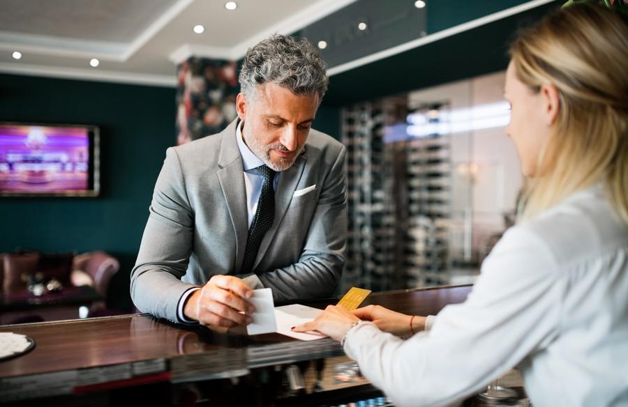 tn Profesjonalna obsługa i kontakt z gościem hotelowym